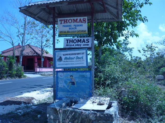 Thomas Homestay Sign